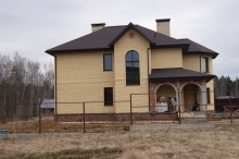 построенные дома из кирпича